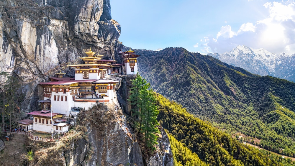 Bhutan:Where Buddhist Culture Is Preserved in Monastery Atop Mountains