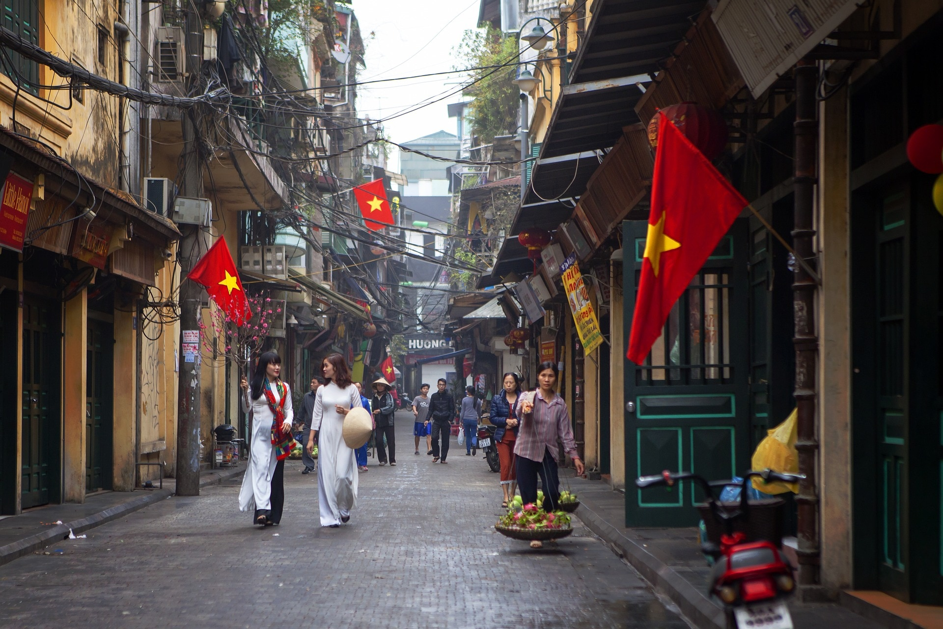 Vietnam:Historic Old Towns, Picturesque Mountains and Pristine Beaches