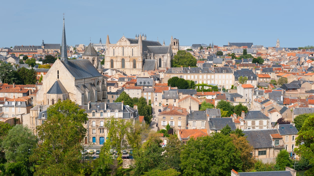 Poitiers : The Land of Serenity and Great History
