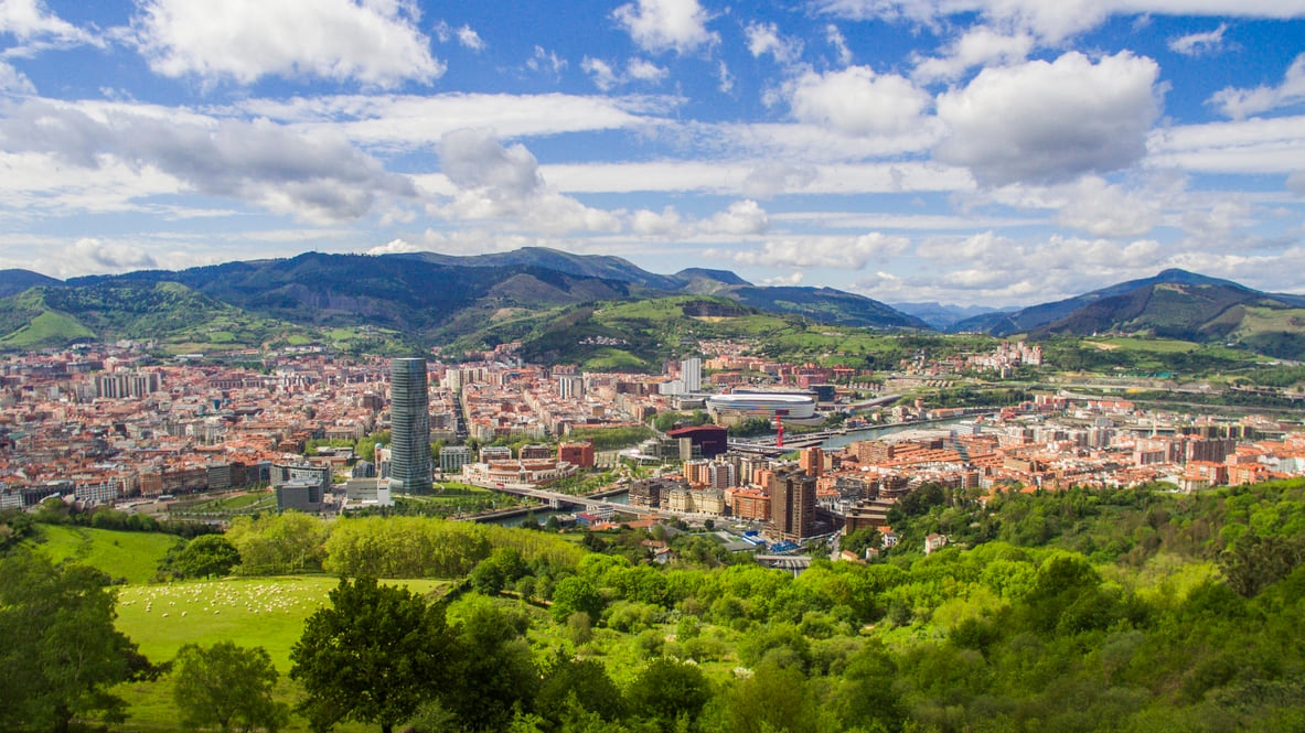 Bilbao : Biscay Province's Largest City with Amazing Architecture and Breathtaking Landscapes