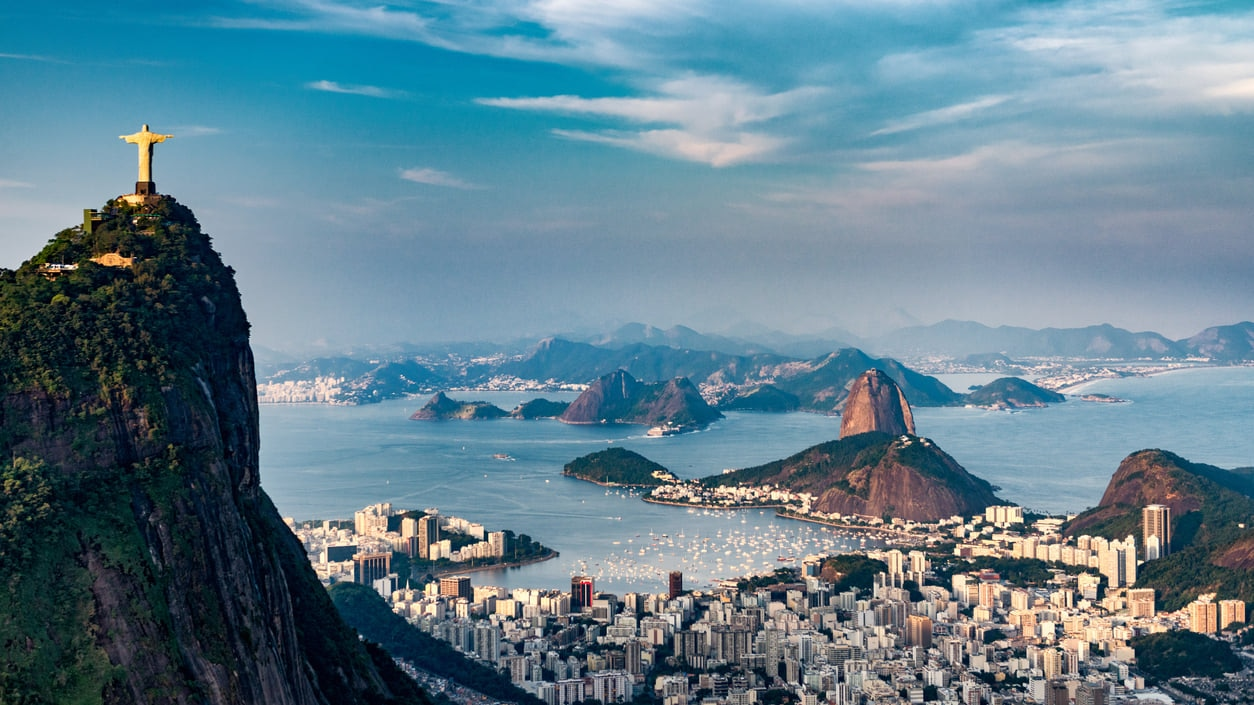 Rio de Janeiro : The City of Golden Beaches, Vibrant Jungles and Stunning Mountain Scenery