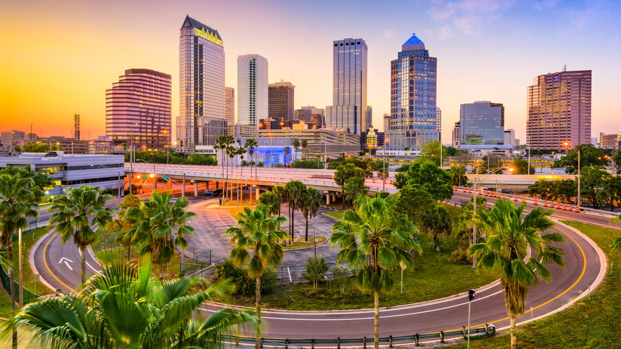 Tampa:Boasting As the Economic Center of Western Florida Sprawling with a Number of Complexes