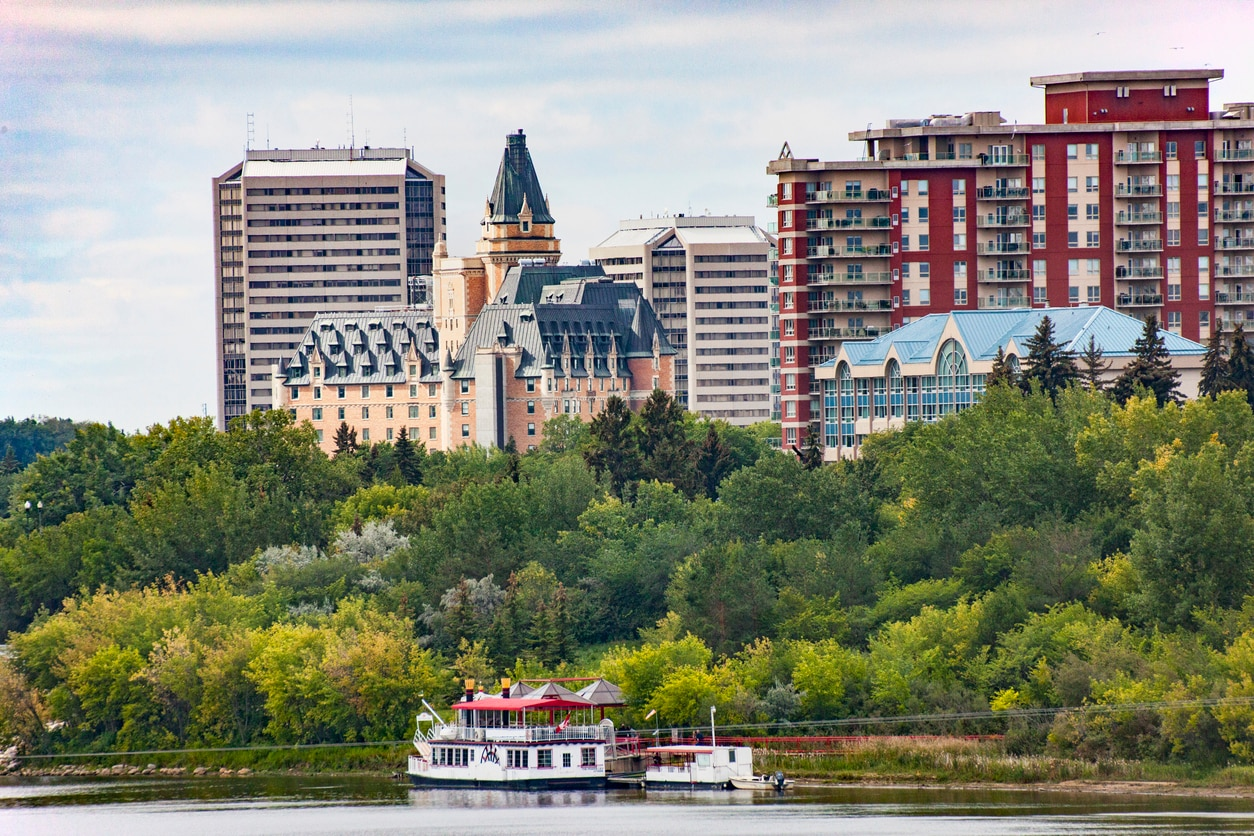 Saskatoon : A City of Bridges with Varieties of Jaw-Dropping Sceneries and Spots