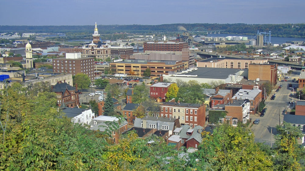 Dubuque : The Commercial, Industrial, Educational, and Cultural Hub for Iowa Area