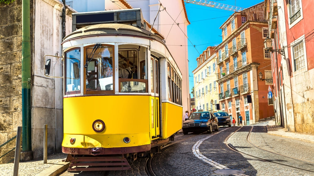Lisbon : Vibrant Landscape and Gorgeous Architecture in the City of Seven Hills