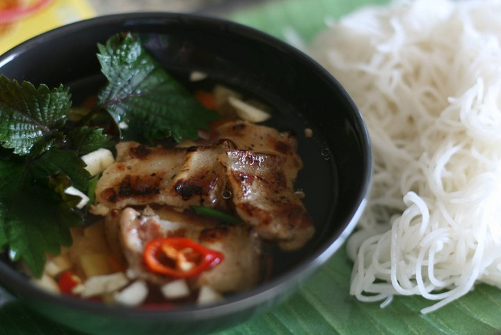 A Food-Lover's Guide to Vietnam:           6 Dishes You Have to Eat