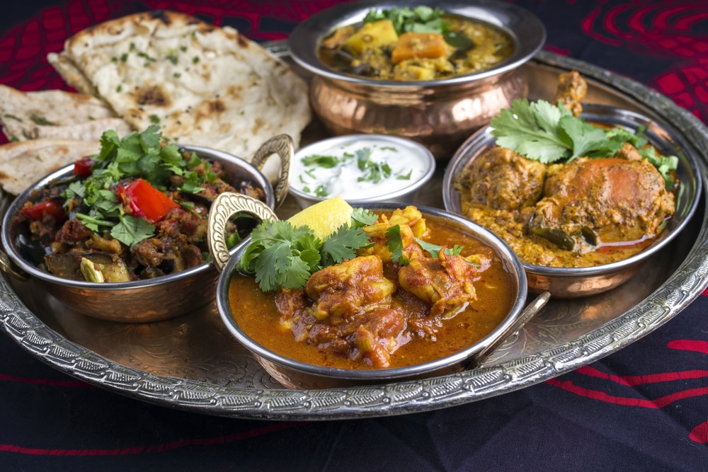 A Guide to Indian Curry: Eat Your Way Through India With These 9 Iconic Curries – skyticket Travel Guide