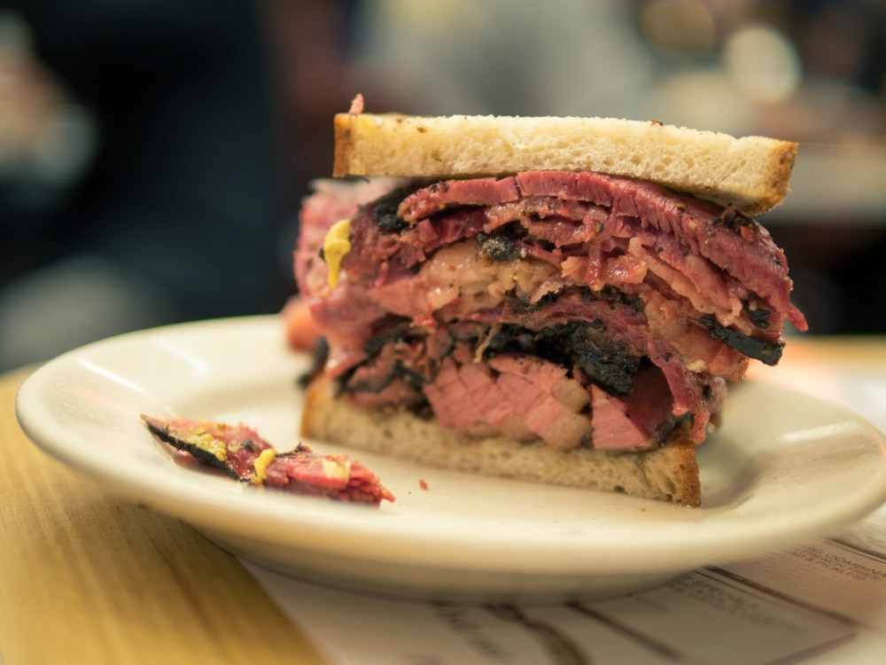 Visiting New York City? Here's 6 Foods You Have to Eat in NYC