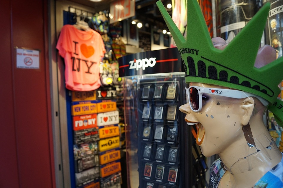 6 Souvenirs You Need to Buy When Traveling to NYC