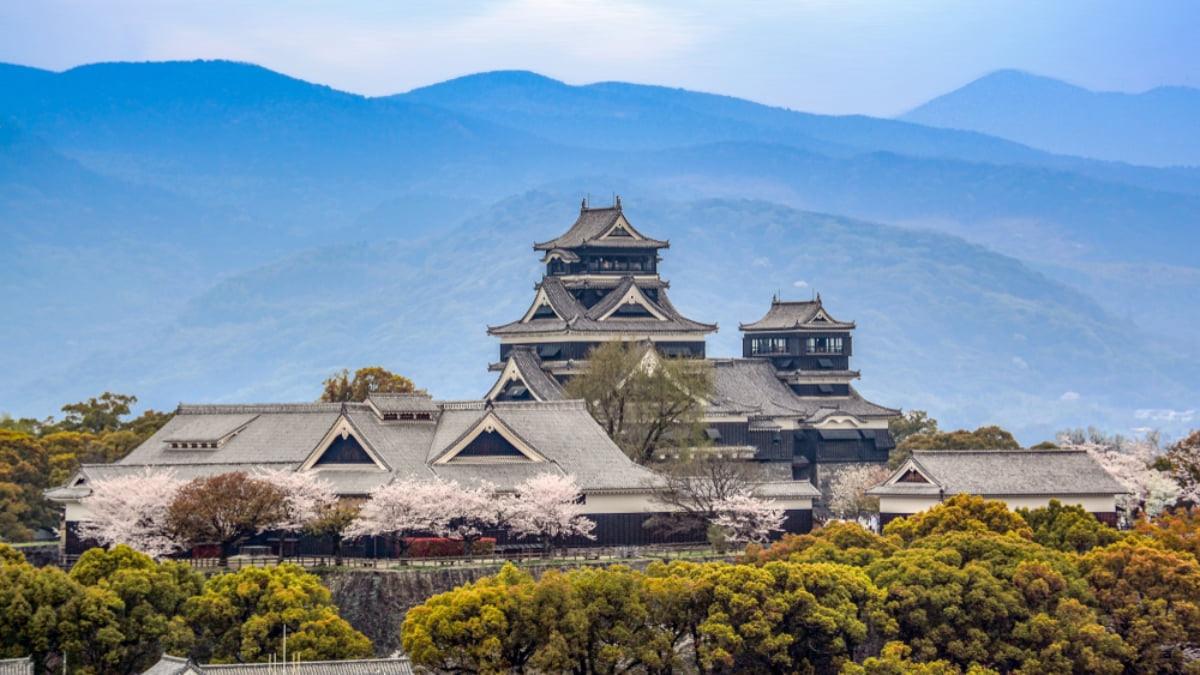 The Top 5 Things to Do in Kumamoto City, Hometown of Kumamon the Bear