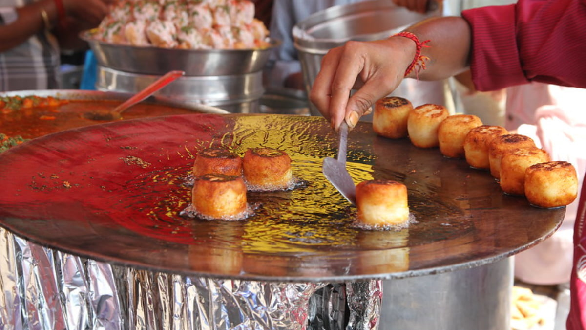 5 Street Foods you Have to Try in Mumbai