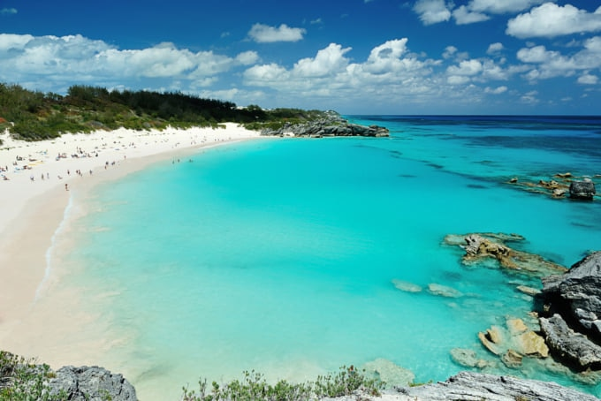 Beautiful beach scenery in Bermuda
