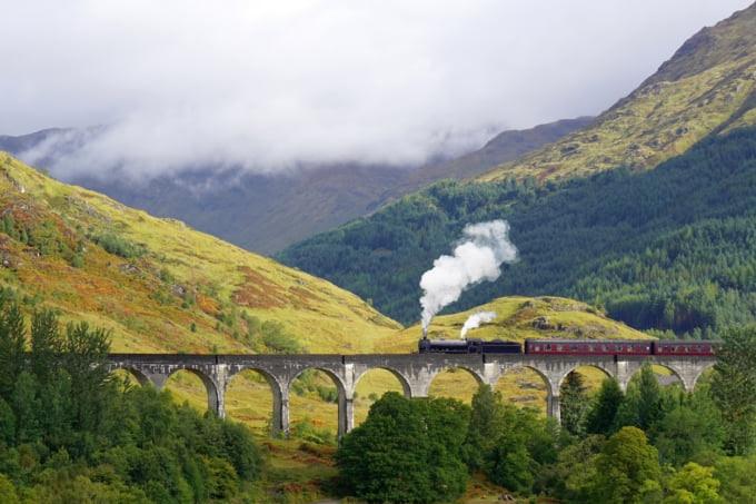 Glenfinnan Viaduct, The Jacobite steam train, Hogwarts Express, Scottish Highlands