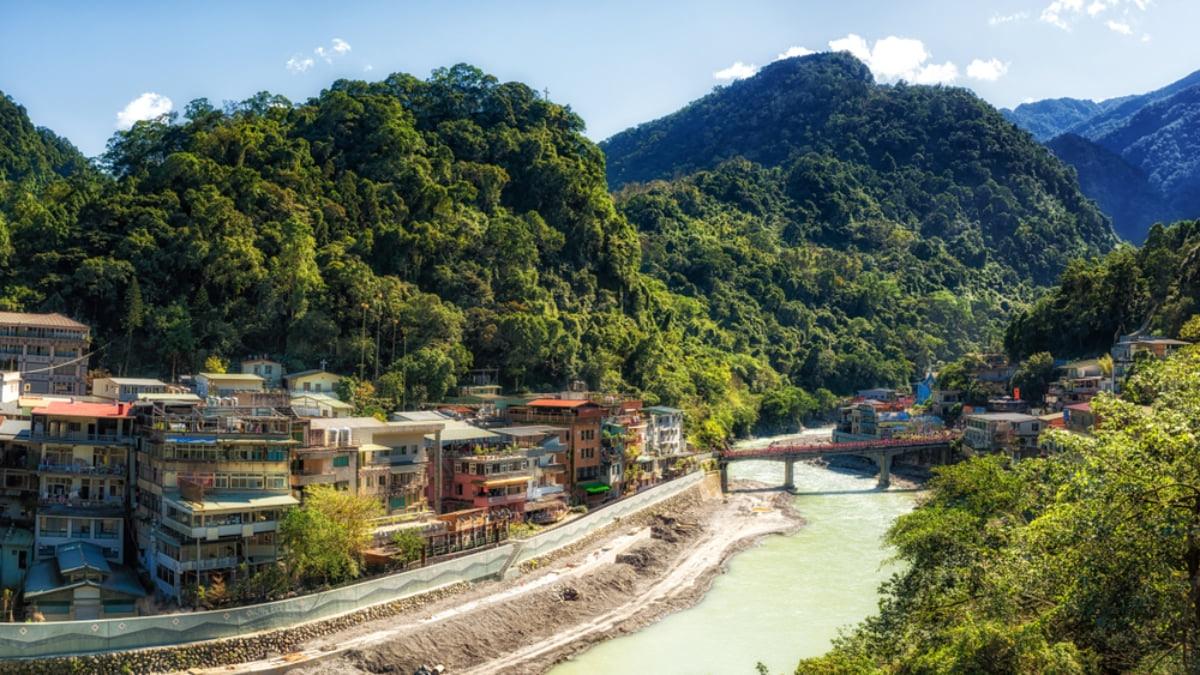 7 Amazing Things to Do in Wulai, a Hot Spring Town Near Taipei, Taiwan