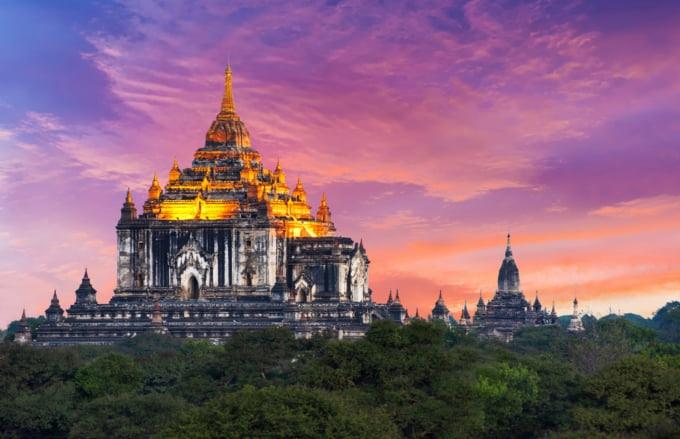 Thatbyinnyu Temple in Bagan with beautiful sky in background