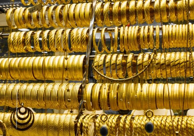 jewelry shop selling gold in Turkey
