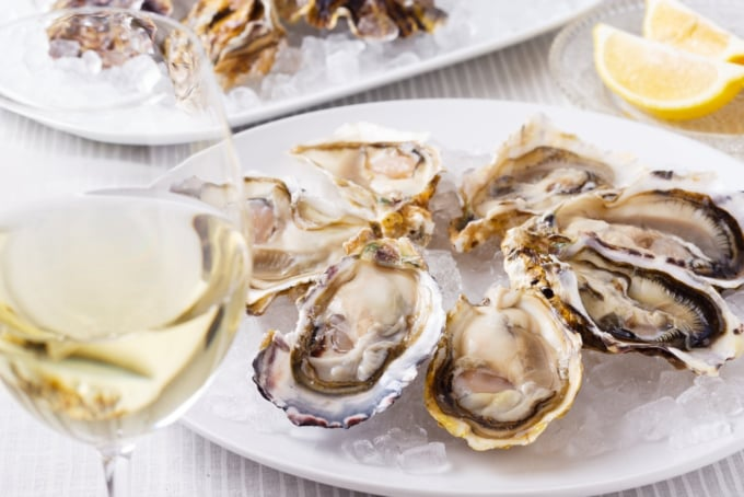 oysters and white wine New Zealand