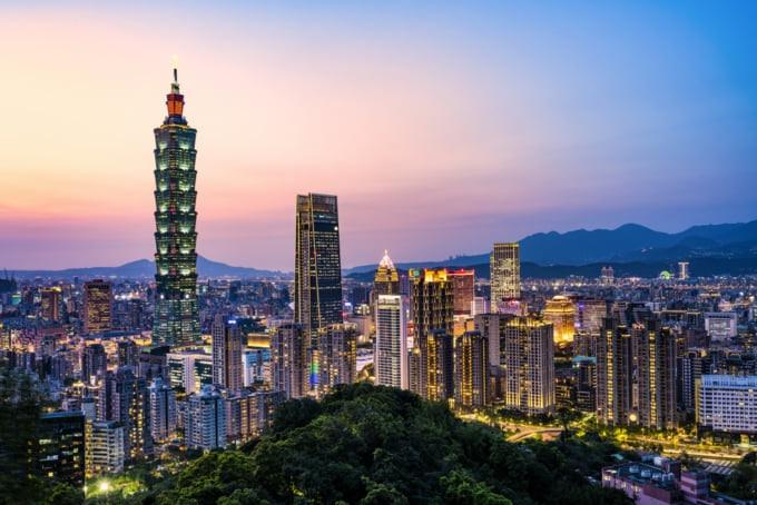 Taipei skyline beautiful sunset view