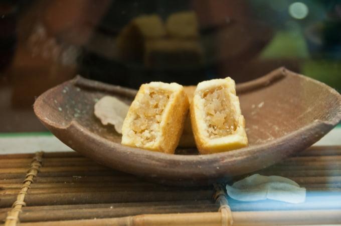 Taiwanese snacks, pineapple cakes