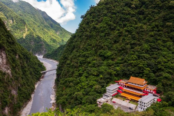 Changchun Trail, Taroko Gorge National Park In Taiwan