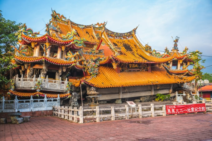 Temple Destroyed by earthquake in Taiwan Jiji Wuchang Temple