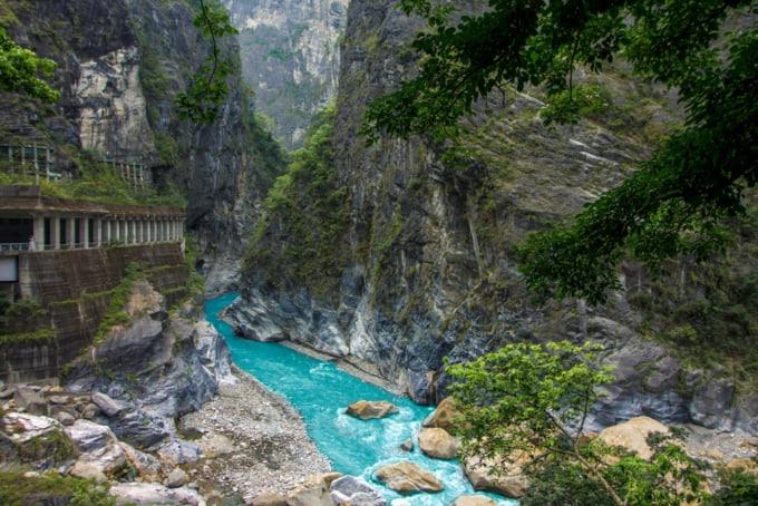 Swallow Grotto in Taroko Gorge
